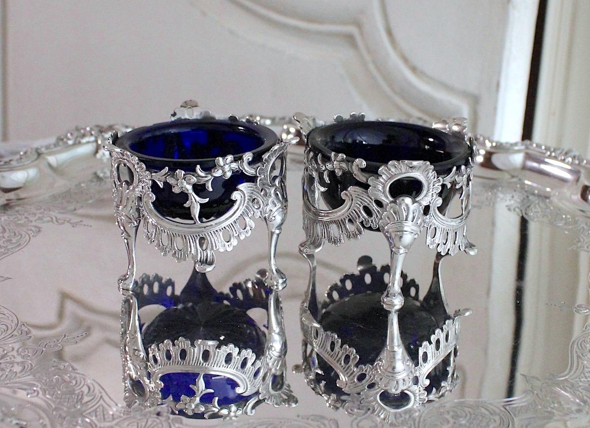 純銀と青ガラスソルト入れ
