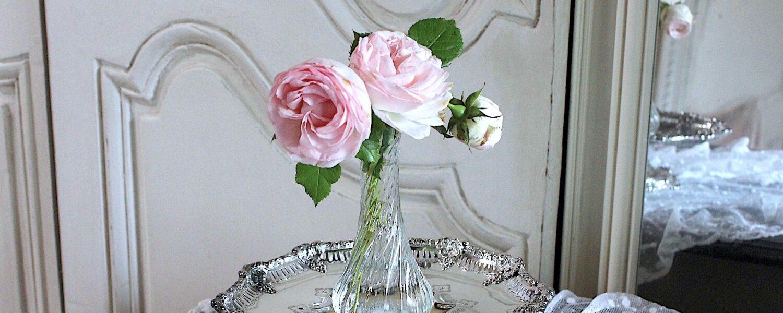 ティファニーのシルバーコンポートと薔薇